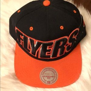 Mitchell & Ness Accessories - Mitchell and Ness Philadelphia Flyers Snapback Hat